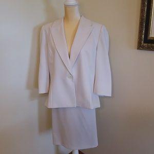 Le Suit 2 piece suit